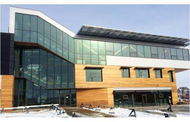 Edmonton Building Wins Award From Solar Association